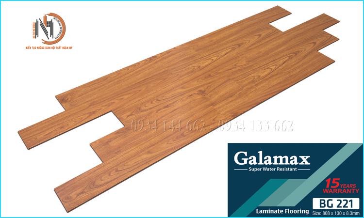 Sàn Gỗ Công Nghiệp Galamax SH993 12 Ly Bản Lớn Chịu Nước Tốt. Galamax thương hiệu sàn gỗ công nghiệp từ Trung Quốc với khả năng chịu ấm, chống nước rất tốt. Hiện nay sàn gỗ Galamax đang là sự lựa chọn đang tin cậy cho khách hàng. Nội Thất ND DESIGN đơn vị Cung Cấp - Thi Công sàn gỗ công nghiệp Galamax tại khu vực phía Nam TpHCM - Bình Dương - Đồng Nai và các tỉnh thành lân cận. Cam kết sản phẩm chất lượng, giá tốt nhất hiện nay cùng dịch vụ khách hàng tốt nhất. Liên hệ với chúng tôi để được tư vấn và xem mẫu miễn phí tận nhà. Hotline: 0934 144 662 - 0934 133 662 - 0976 475 491